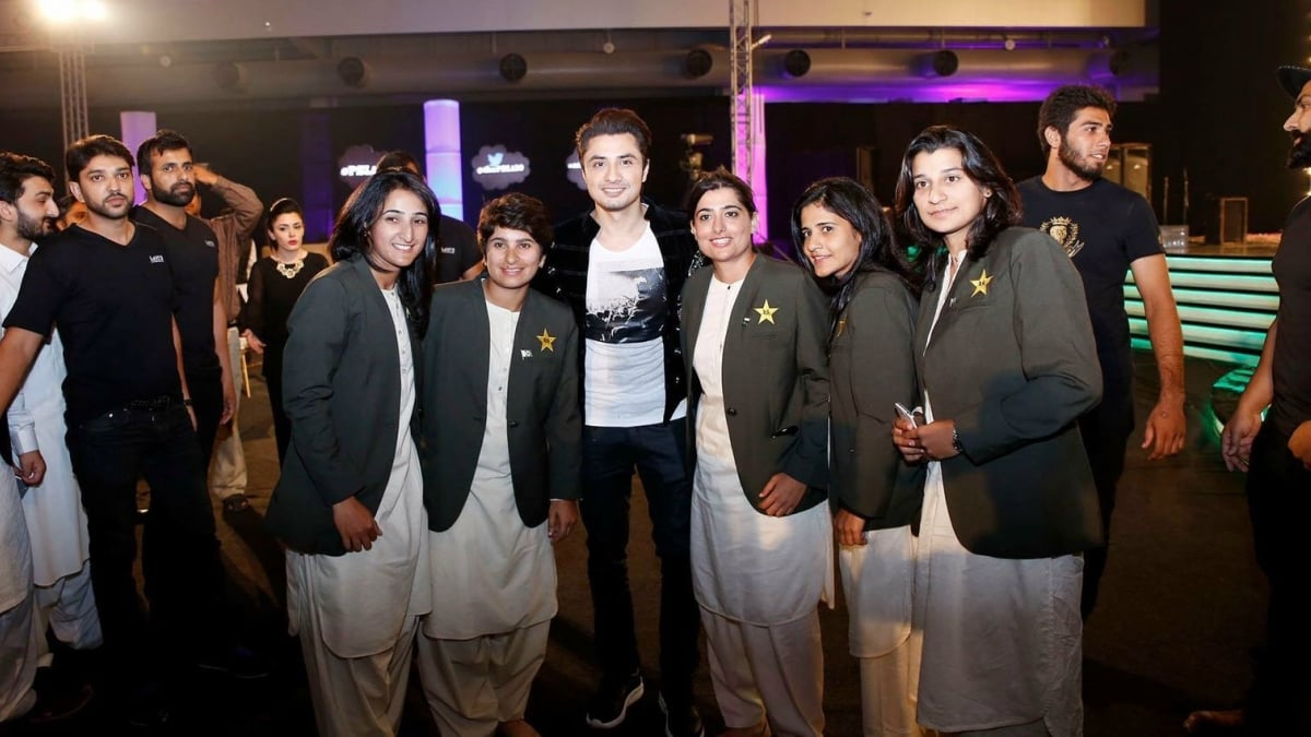 Ali Zafar pictured here with the women's cricket team