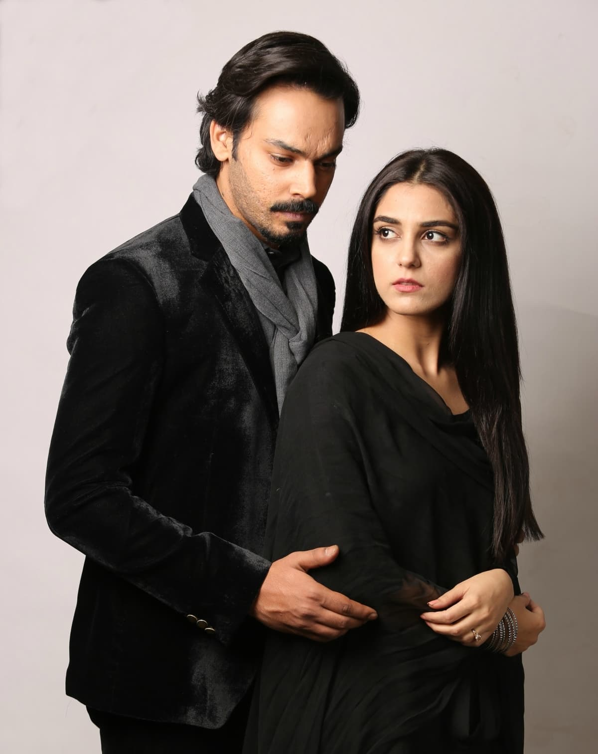 Is a love triangle in the offing? Gohar Rasheed stars as Mannu's prospective husband Mikaal