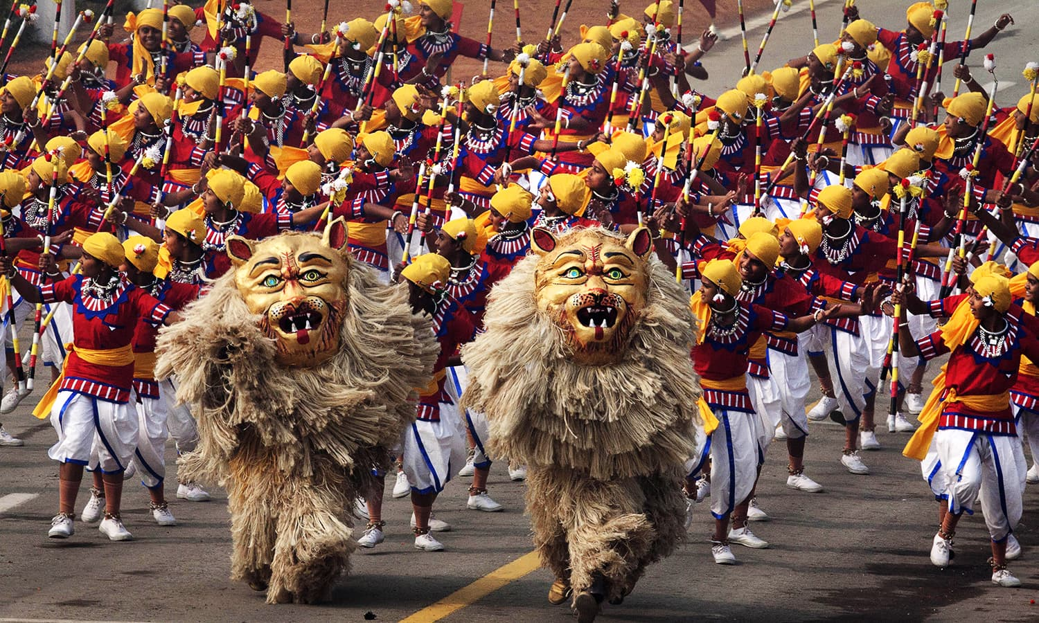 Indian school children perform a dance to show India's cultural heritage during the parade. ─ AP