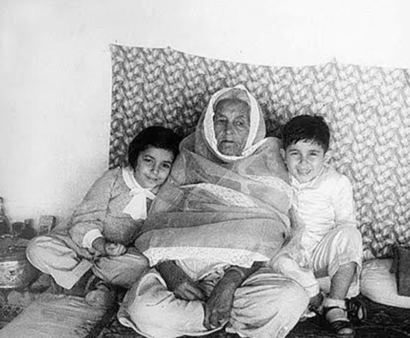 Yusuf and Sophie with their paternal grandmother Masud Jehan Begum, who descended from the family of Amir Shuja ul-Mulk of Afghanistan.