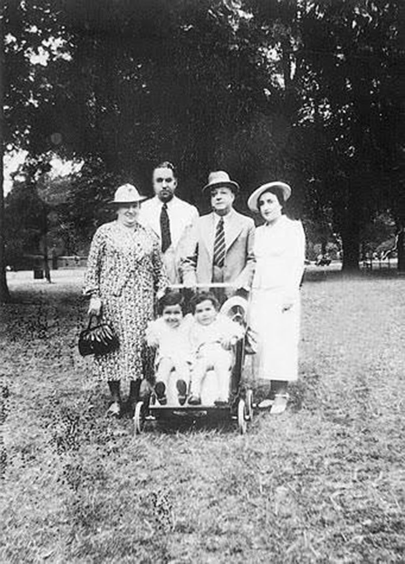 The Hamieds with her Jewish parents and their children – Yusuf and Sophie.
