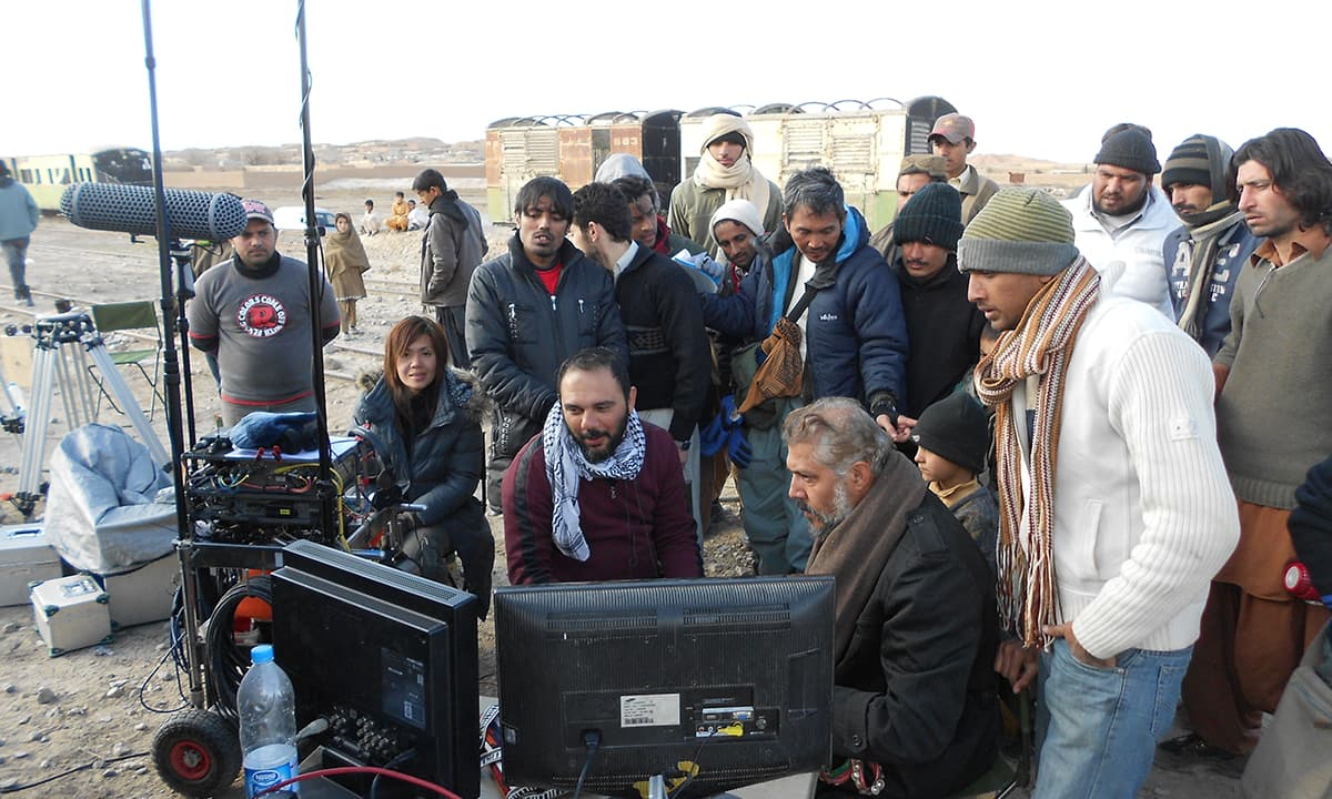 The cast and crew of Moor   Courtesy Azad Film Company