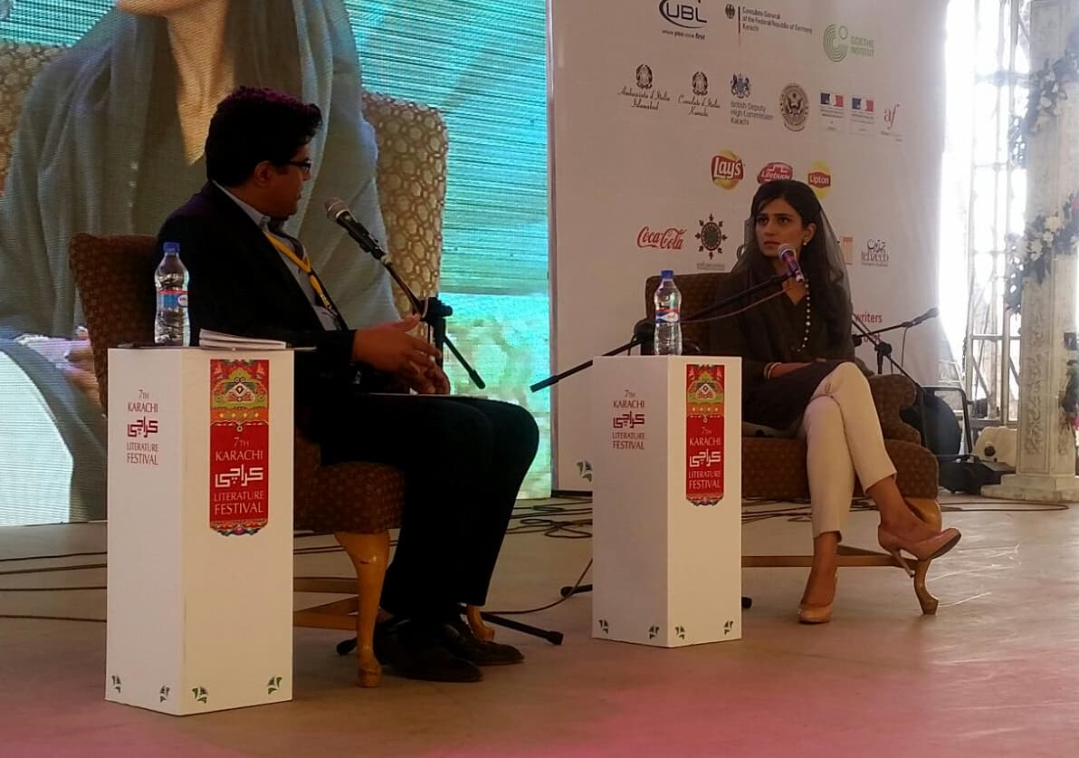 Hina Rabbani Khar in conversation with Omayr Aziz Saiyid. Photo: Dawn