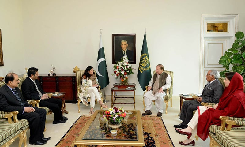 Sharmeen Obaid-Chinoy meeting PM Nawaz Sharif at his official residence in Islamabad, Feb 15, 2016. The meeting was also attended by Maryum Nawaz Sharif and Tariq Fatemi. – Photo courtesy PM Office