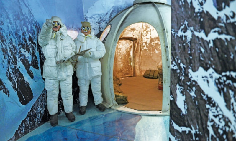 The Siachen gallery depicts life for soldiers at the Siachen post. Soldiers use igloos and ice caves to rest at night.