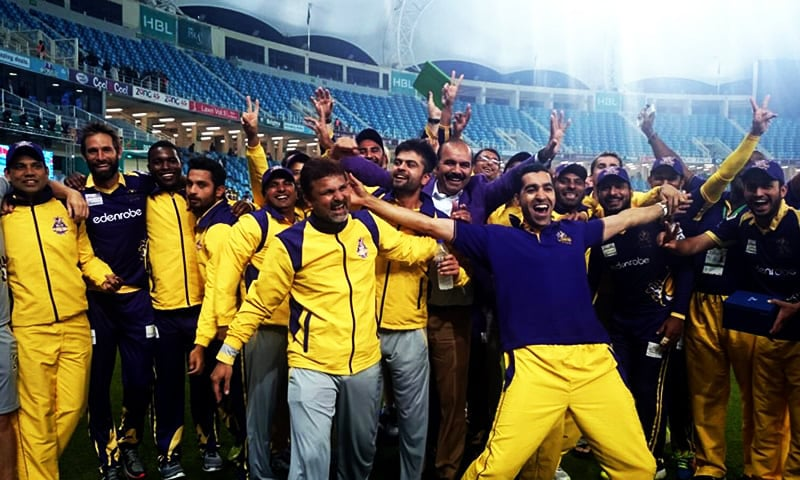Quetta Gladiators after clinching a sensational one-run victory over Peshawar Zalmi on February 19, 2016. — Photo courtesy: PCB