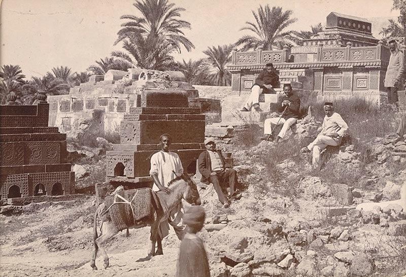 منگھو پیر کا مزار 1901 میں۔