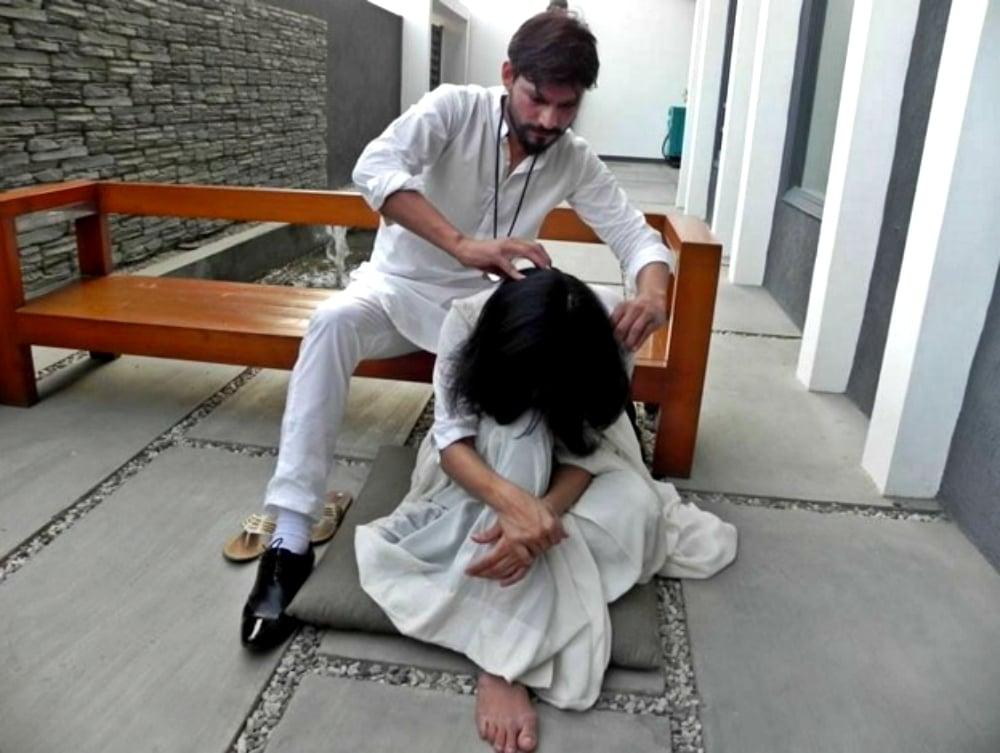 Performance, Washed Upon the Shore: Sunil Shankar and Joshindar Chaggar - Photo courtesy Art Now Pakistan