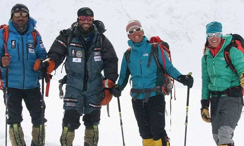"Climbers from Pakistan, Spain and Italy become the first mountaineers to scale the ""Killer Mountain"" in winter. ─ Photo: North MEA Twitter page"
