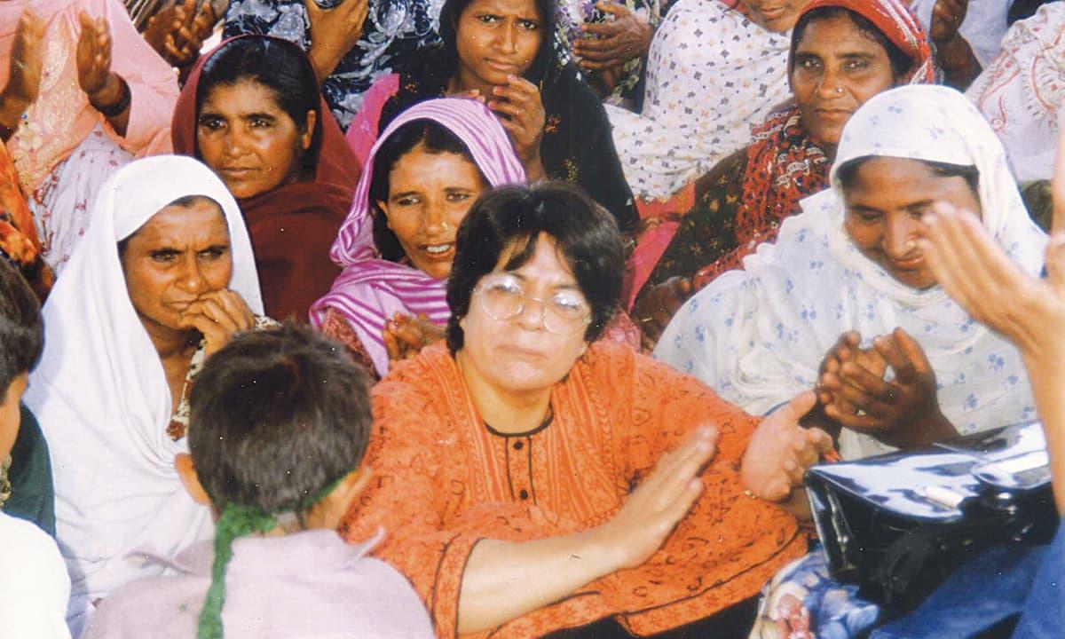 Nighat Said Khan sits at the women peasants struggle in Dera Saigol farms | Courtesy Nighat Said Khan