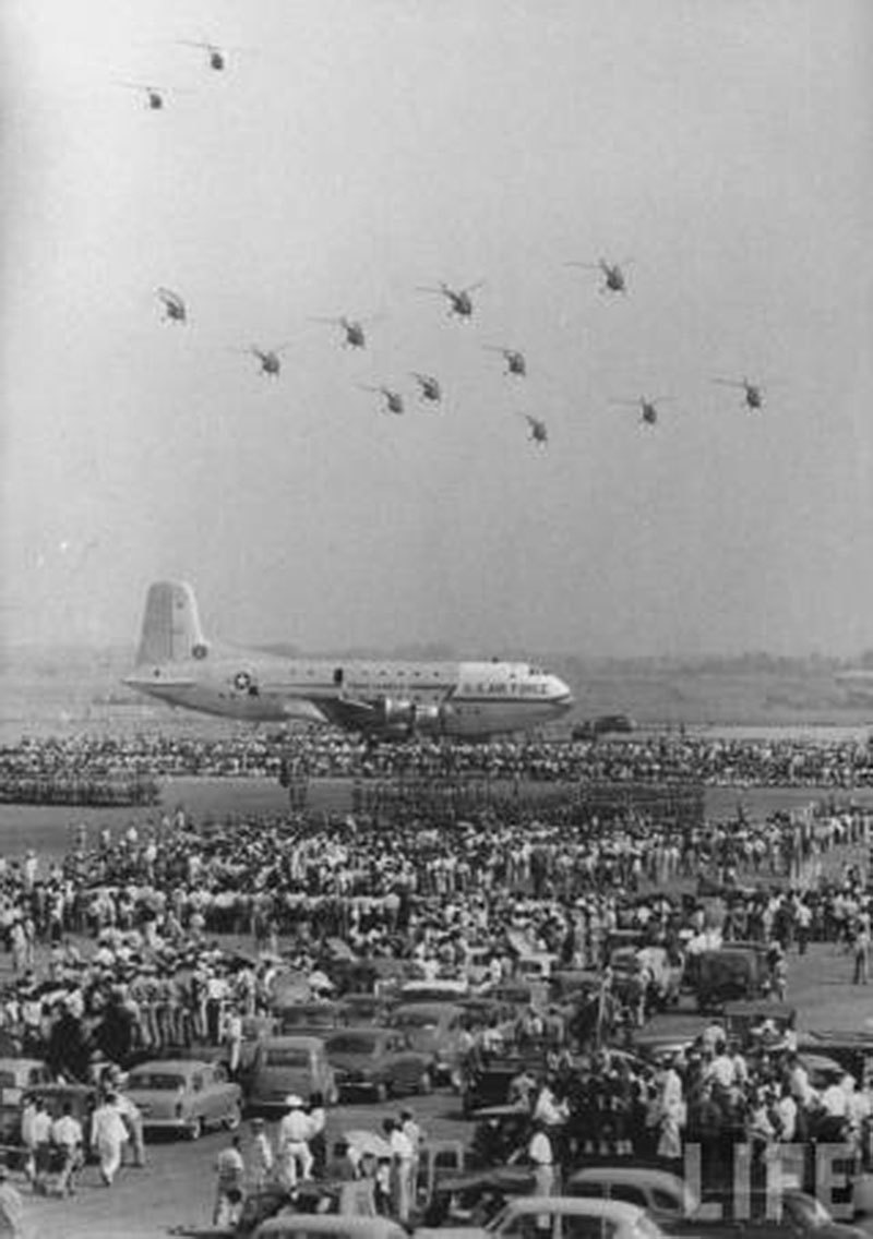 People throng to witness a Pakistan-American joint air show in Karachi in 1953.