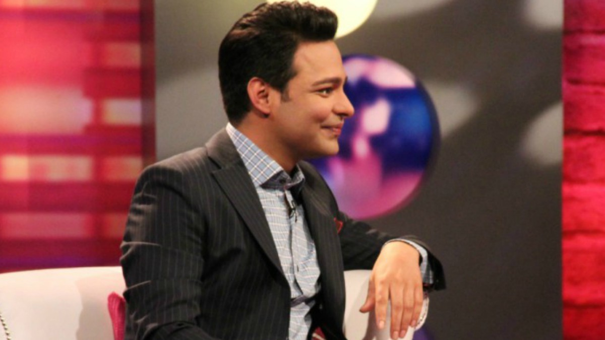 Bye bye Begum: Ali Saleem sheds his famous avatar on his new late night talk show