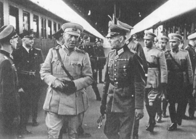 General Toydemir and his entourage travelling across Nazi-occupied Europe. Photo from the book Ataturk in the Nazi Imagination
