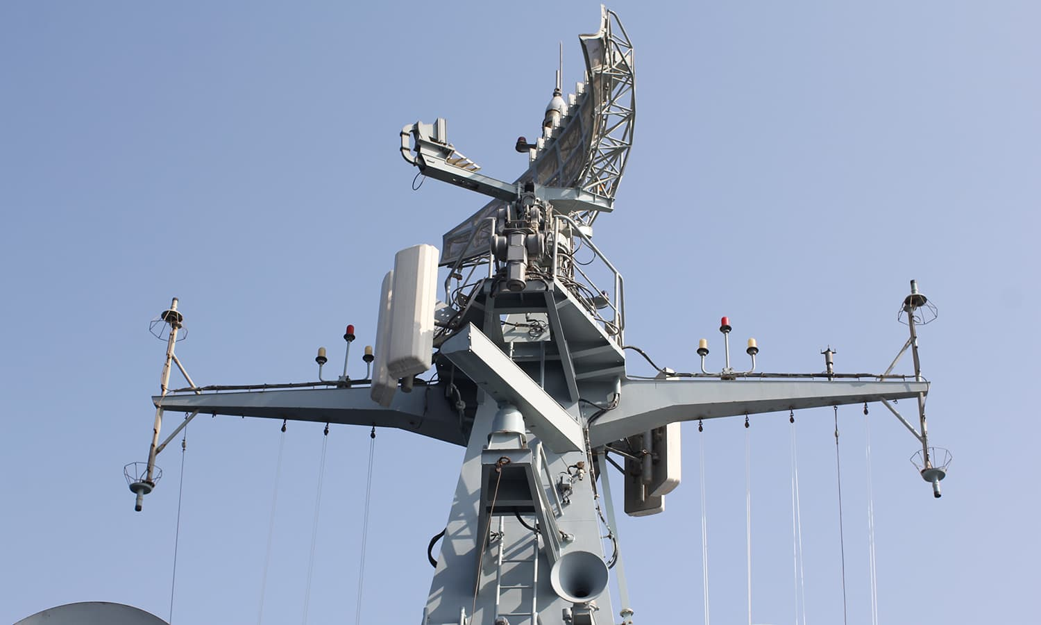 The Radar systems mounted on the F-22P frigate PNS Zulfiquar.