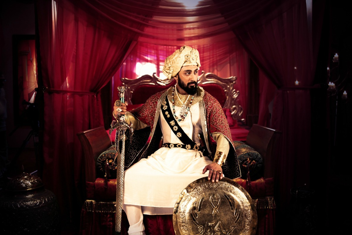 Umair Jaswal stars as Nawab Asif Jahan in Mor Mahal