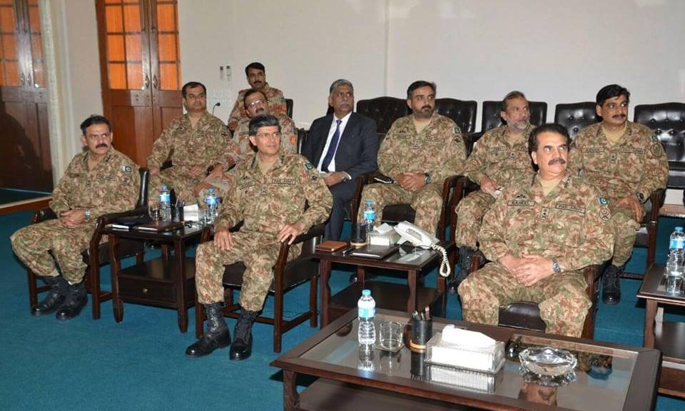 COAS along with Corps Commander Karachi, ISPR spokesperson Asim Bajwa and DG Rangers Major Bilal Akber during his visit to Karachi.─ ISPR