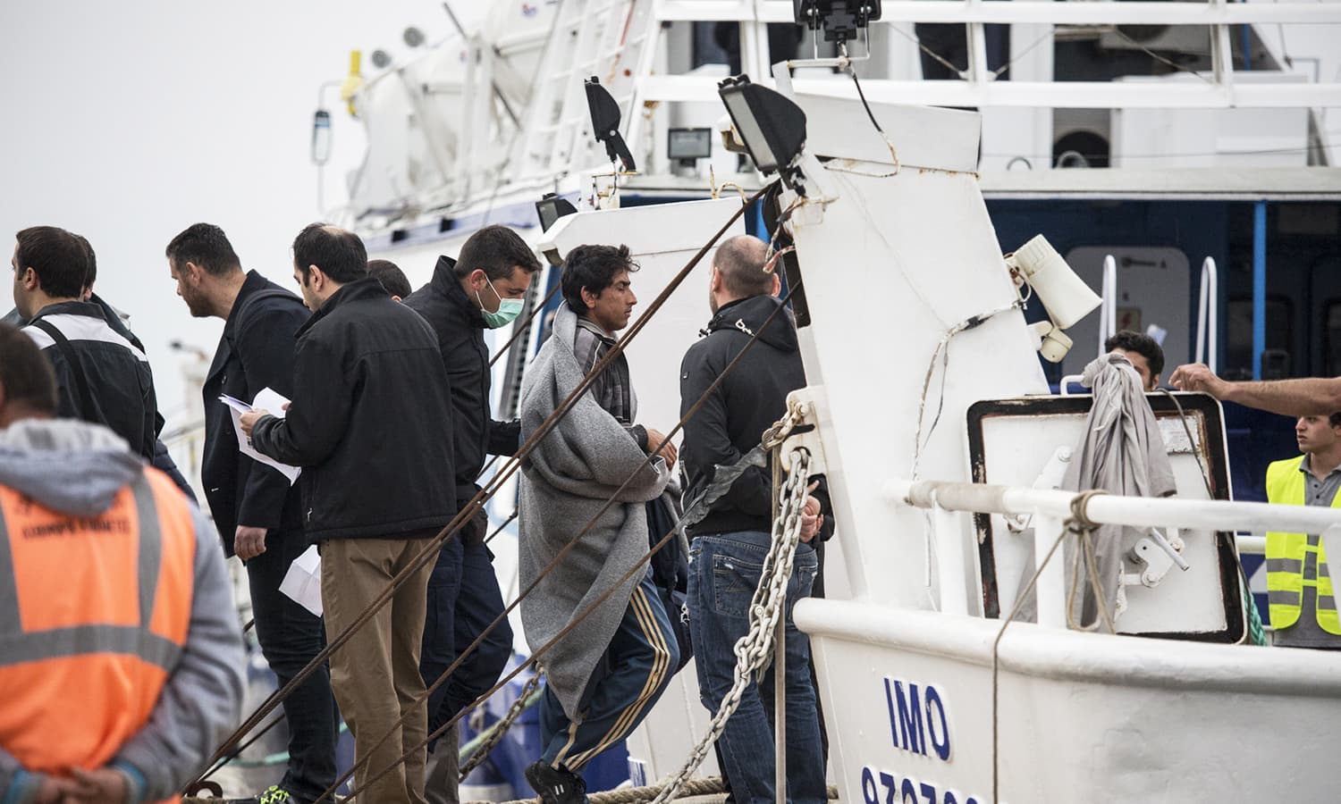On April 8, 202 migrants were deported from Greece to Turkey, among them the biggest group was 130 Pakistanis, followed by 42 Afghans, the rest from Iran, Congo, Sri Lanka, Bangladesh and India.