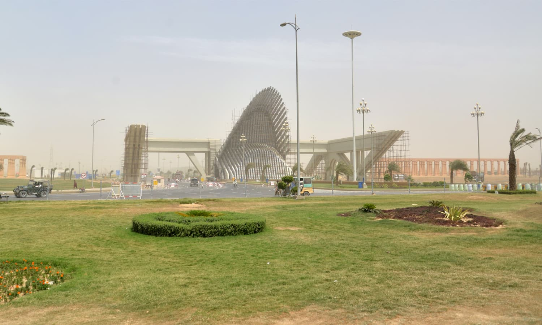 Bahria Town Karachi's imposing main gateway. ─ Faysal Mujeeb/White Star