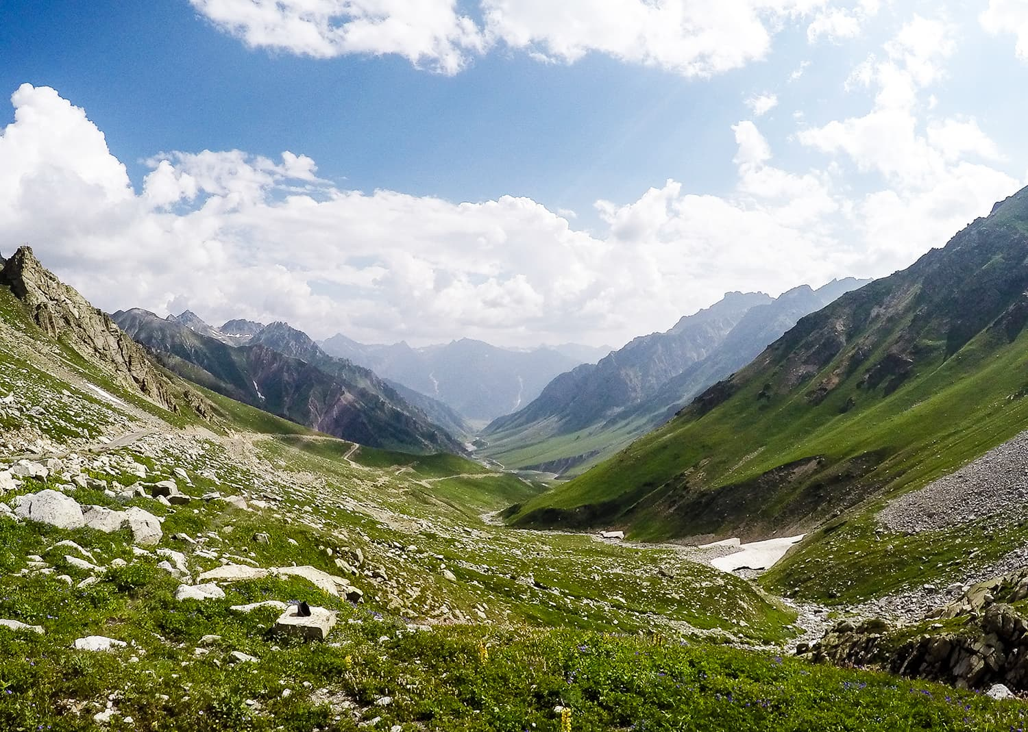The road to Minimarg.