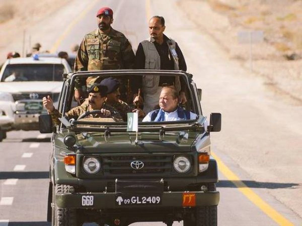 General Raheel Sharif drives Prime Minister  Nawaz Sharif on the newly constructed patch of CPEC in Gwadar | Courtesy ISPR