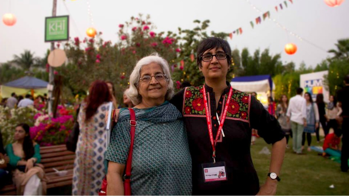 Sabeen with her mother Mahenaz Mahmud at the first Creative Karachi Festival in 2014 - Photo courtesy Sabeen Mahmud's Facebook fanpage