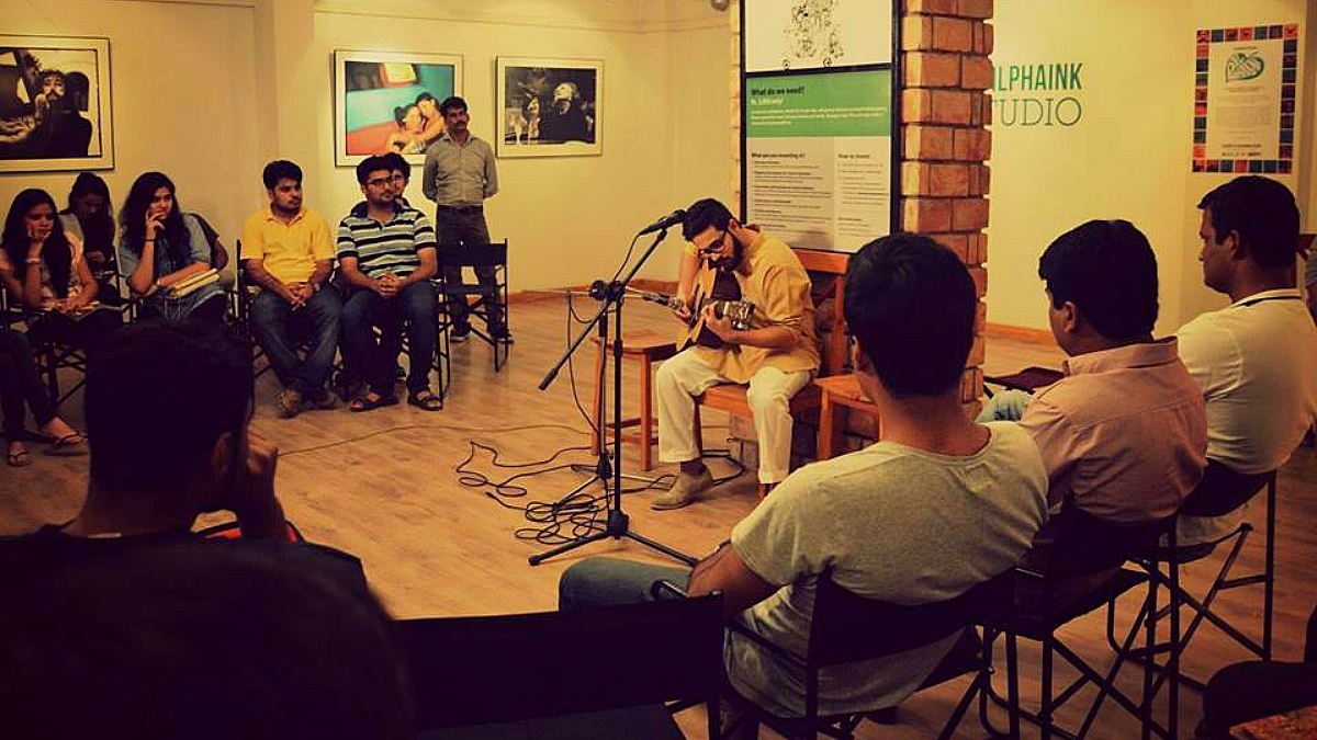 An open mic night held in August 2015, one of the earliest events after Sabeen's passing - Photo courtesy The Second Floor's Facebook page
