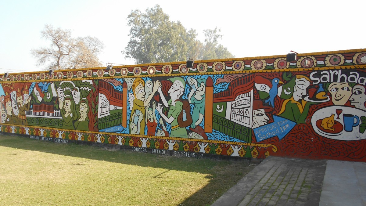 A mural depicting peace between India and Pakistan was painted by young boys and girls
