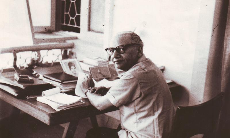 Faiz in Karachi, 1968. — Photo from the book