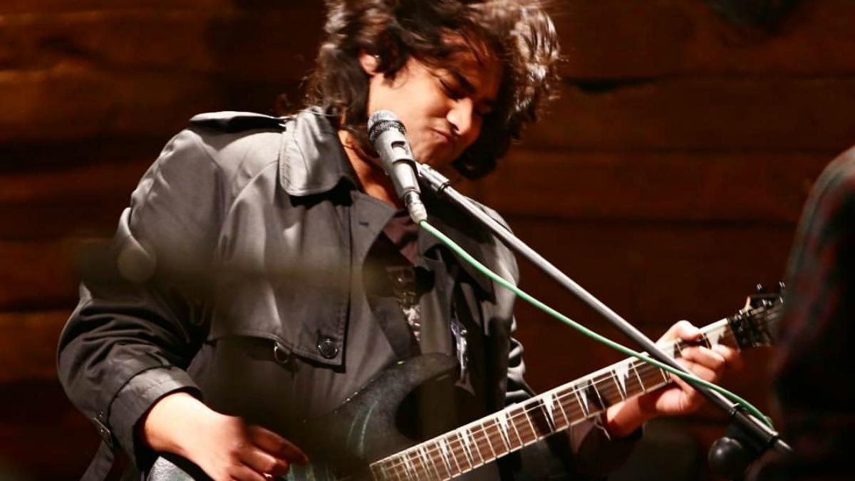 Performing Junoon's Talaash in Season 4 - Photo courtesy Usman's Tumblr