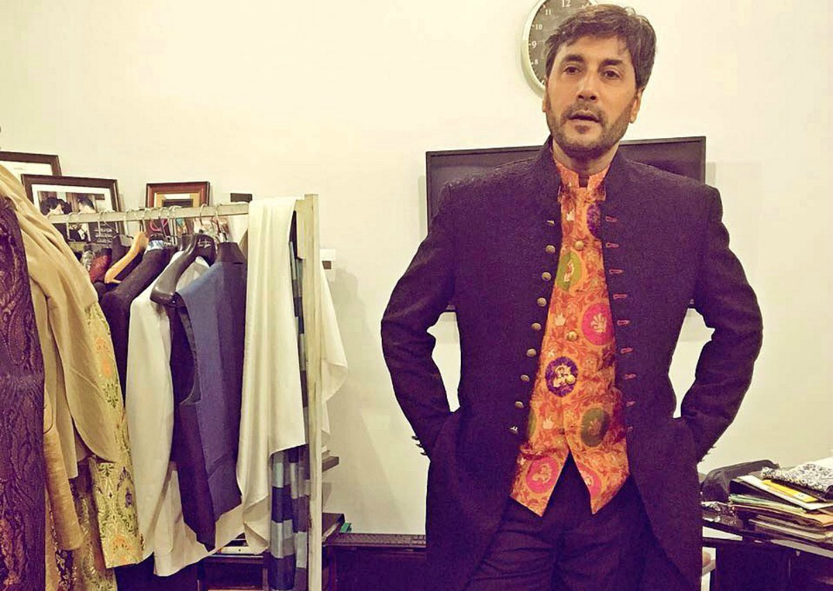 Back from Georgia where he was shooting with Sridevi, Adnan Siddiqui is set to hit the runway for Amir Adnan