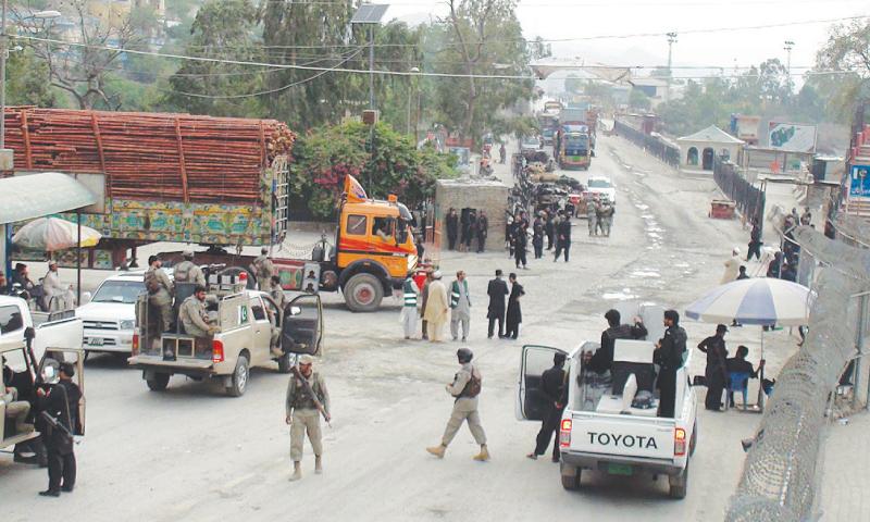 Afghan envoy calls on Gen Raheel to resolve Torkham border issue