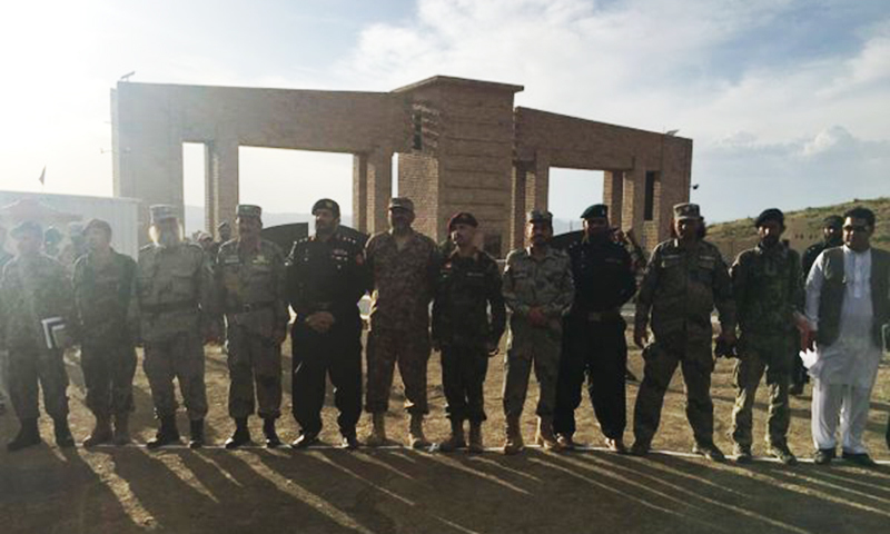 Pak-Afghan security officials at Angoor Ada border crossing. —Photo ISPR