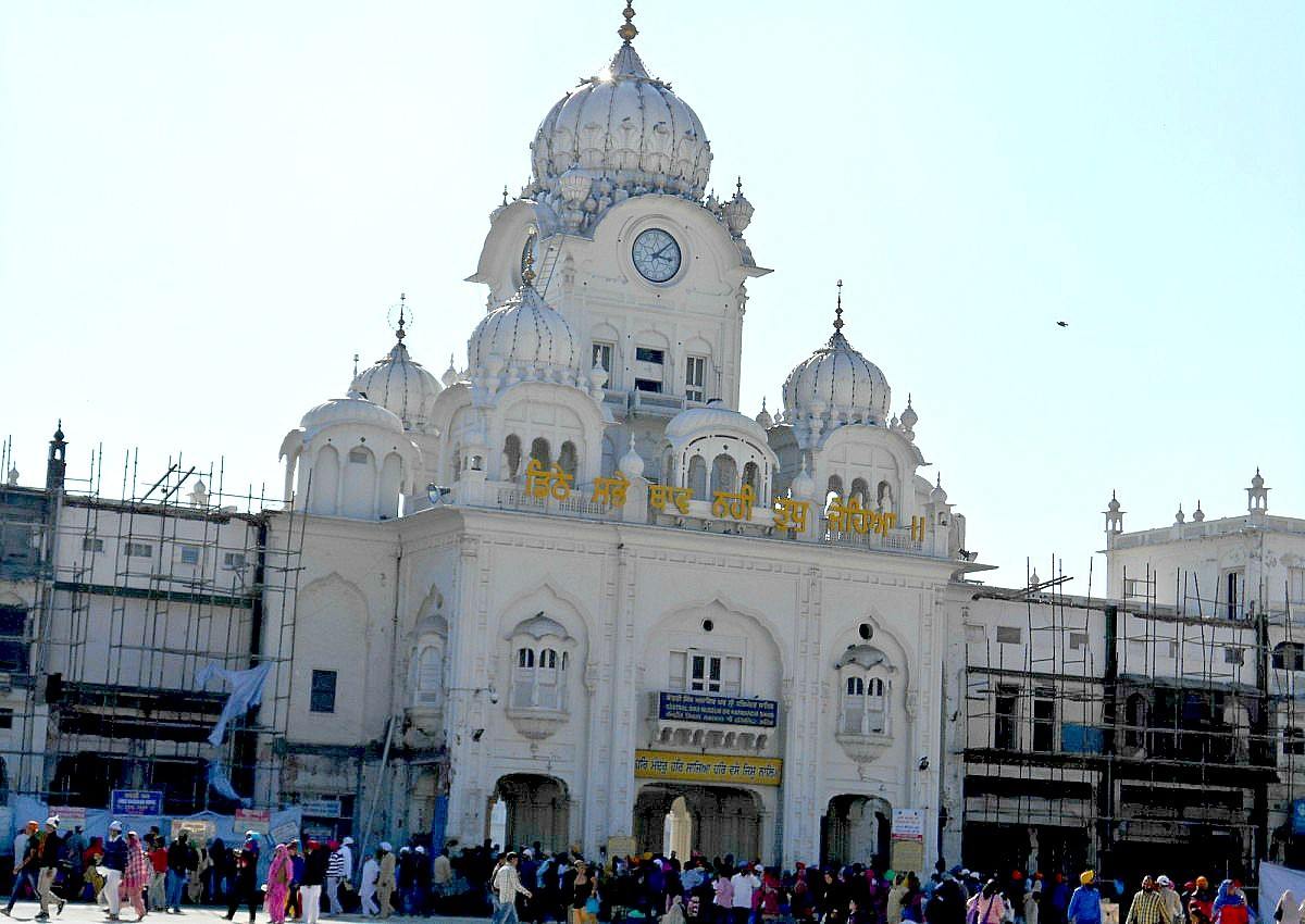 The facade to the main entrance of the holiest place of Sikhs
