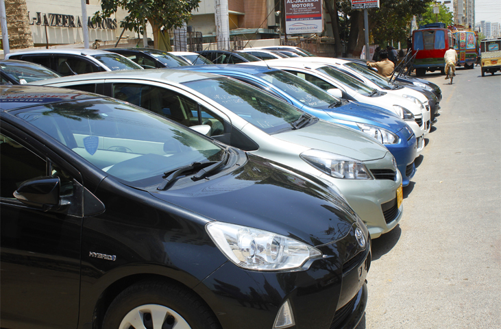 Karachi Refurbished Anese Hybrid Cars On Display At A Showroom Khalid Bin Walid Road