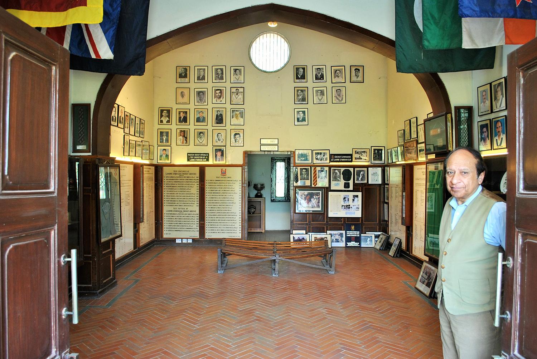 کرکٹ مؤرخ نجم لطیف نے یہاں پر پاکستان کا پہلا کرکٹ میوزیم قائم کیا۔— فوٹو عون علی