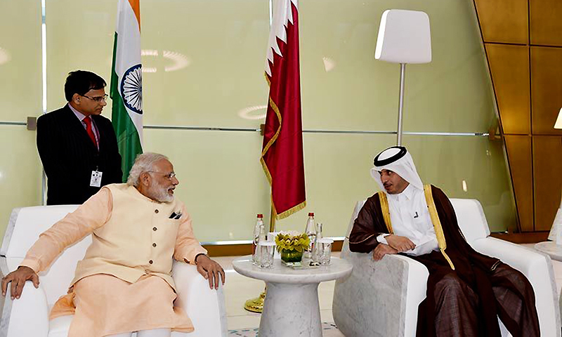 Qatari Prime Minister and Minister of Interior Sheikh Abdullah bin Nasser bin Khalifa Al-Thani, right, receives Indian Prime Minister Narendra Modi, in Doha, Qatar. ─ AP