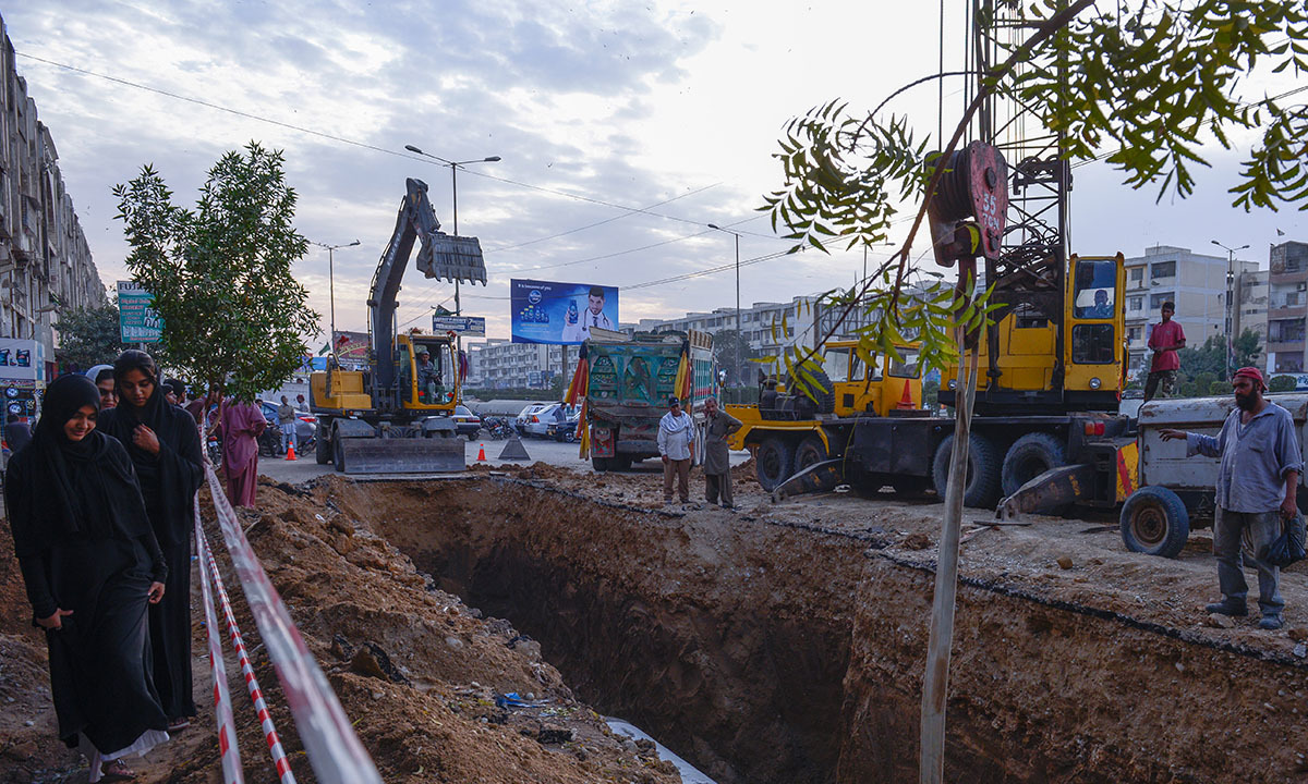 A construction site for Green Line in Karachi.—White Star