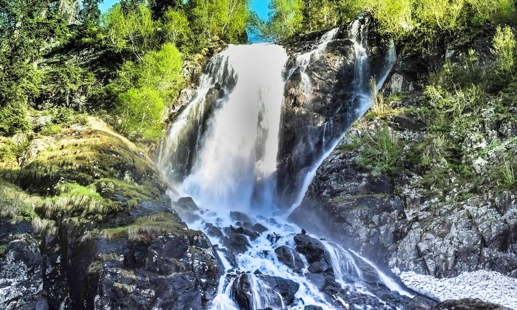 سپین خوڑ آبشار کا ایک اور منظر — تصویر امجد علی سحاب