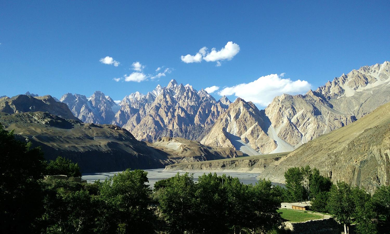 The Karakoram mountain range, Hunza Valley. — Photo by Irfan Tahir