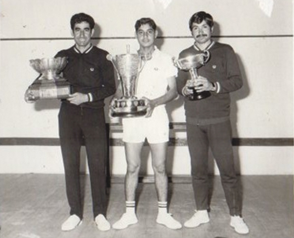 ALL IN THE FAMILY:  (L-R) During the 1973 Pakistan's National Championship with brother Maqsood and cousin Qamar Zaman