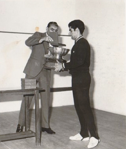 Collecting his trophy from Air Marshal Zafar Chaudhry