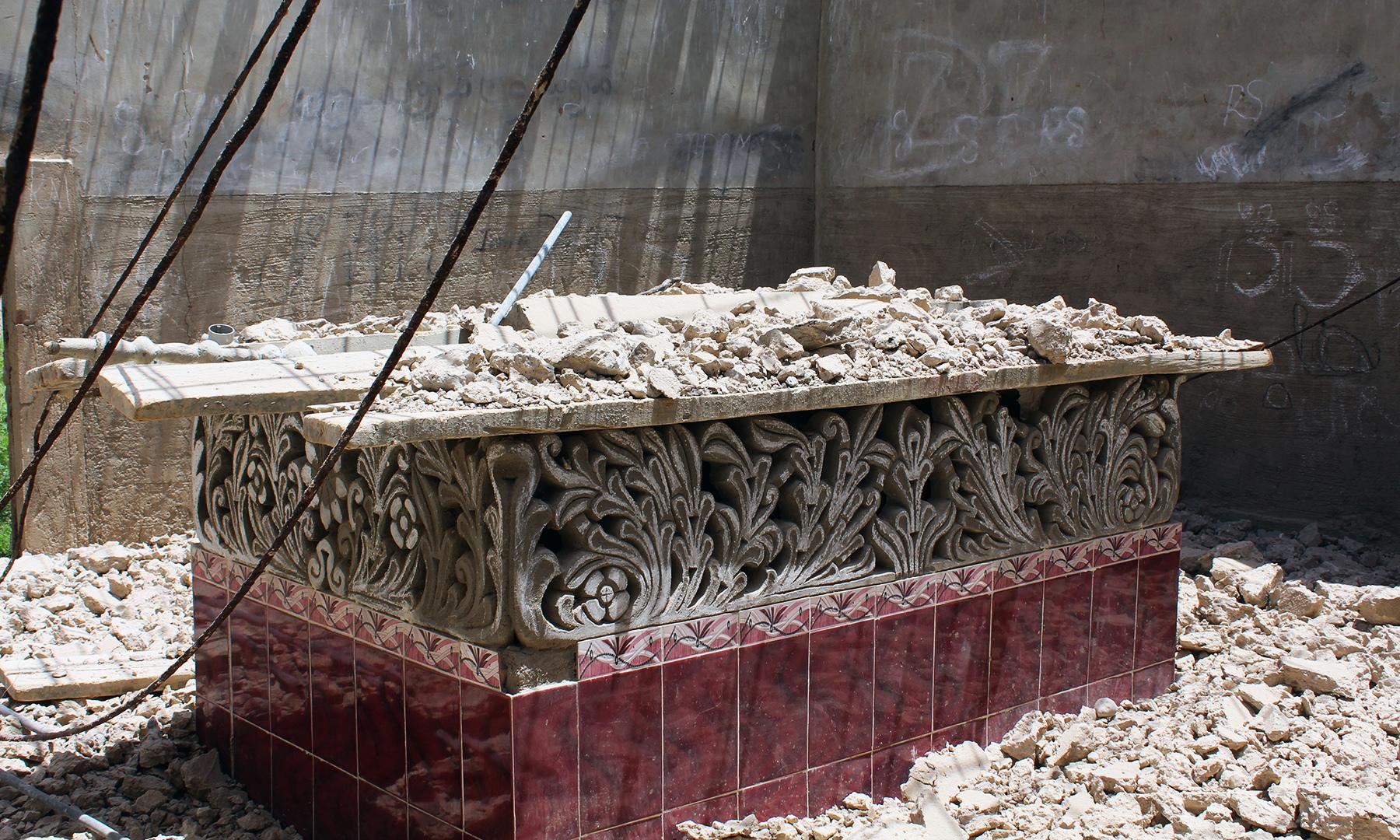 ہوش محمد عرف ہوشو شیدی کی قبر — تصویر اختر حفیظ