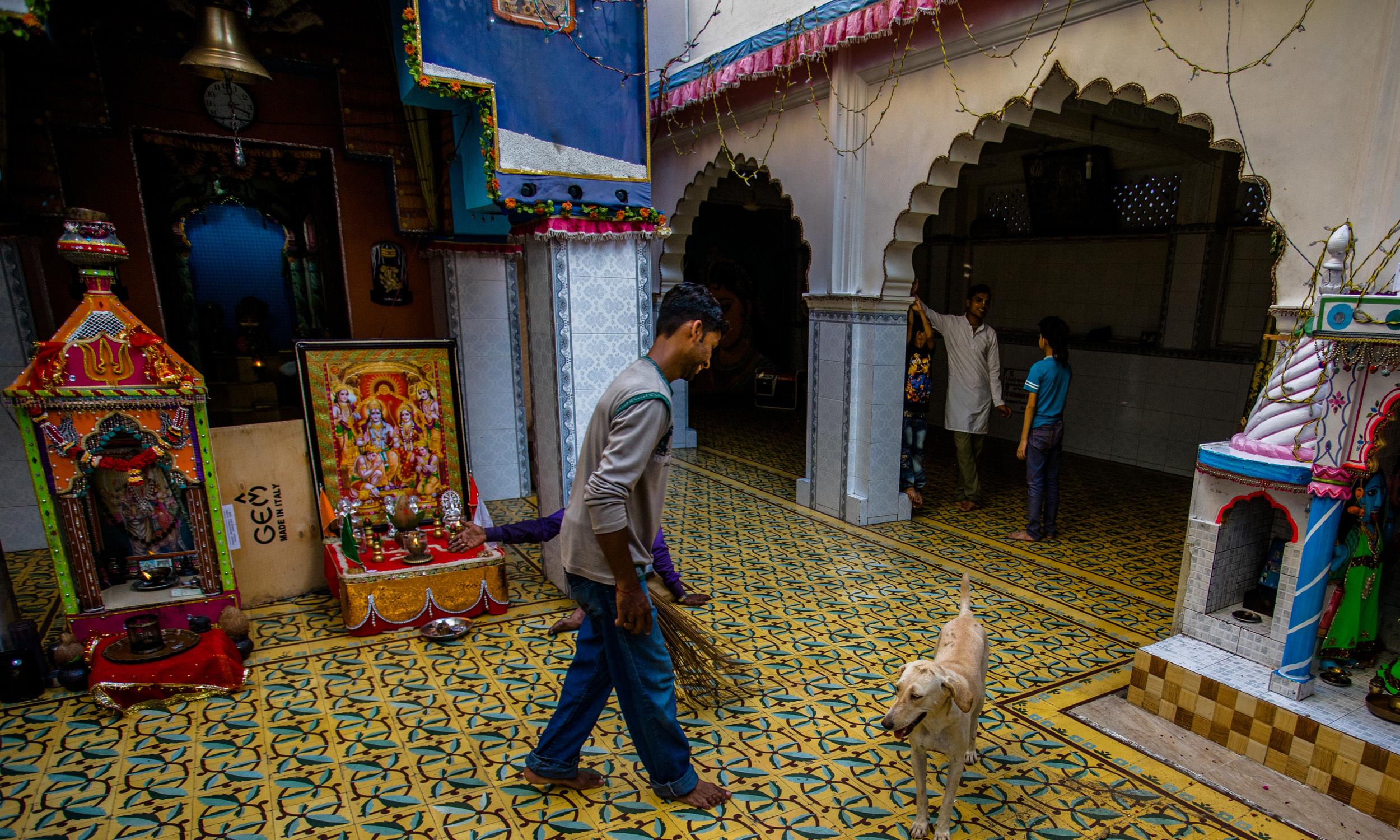 One of the three main Hindu temples in Narayanpura   Mohammad Ali, White Star