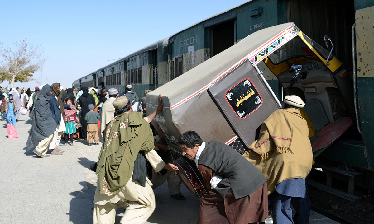 A railway station in Chaman connects it to Kandahar, Afghanistan