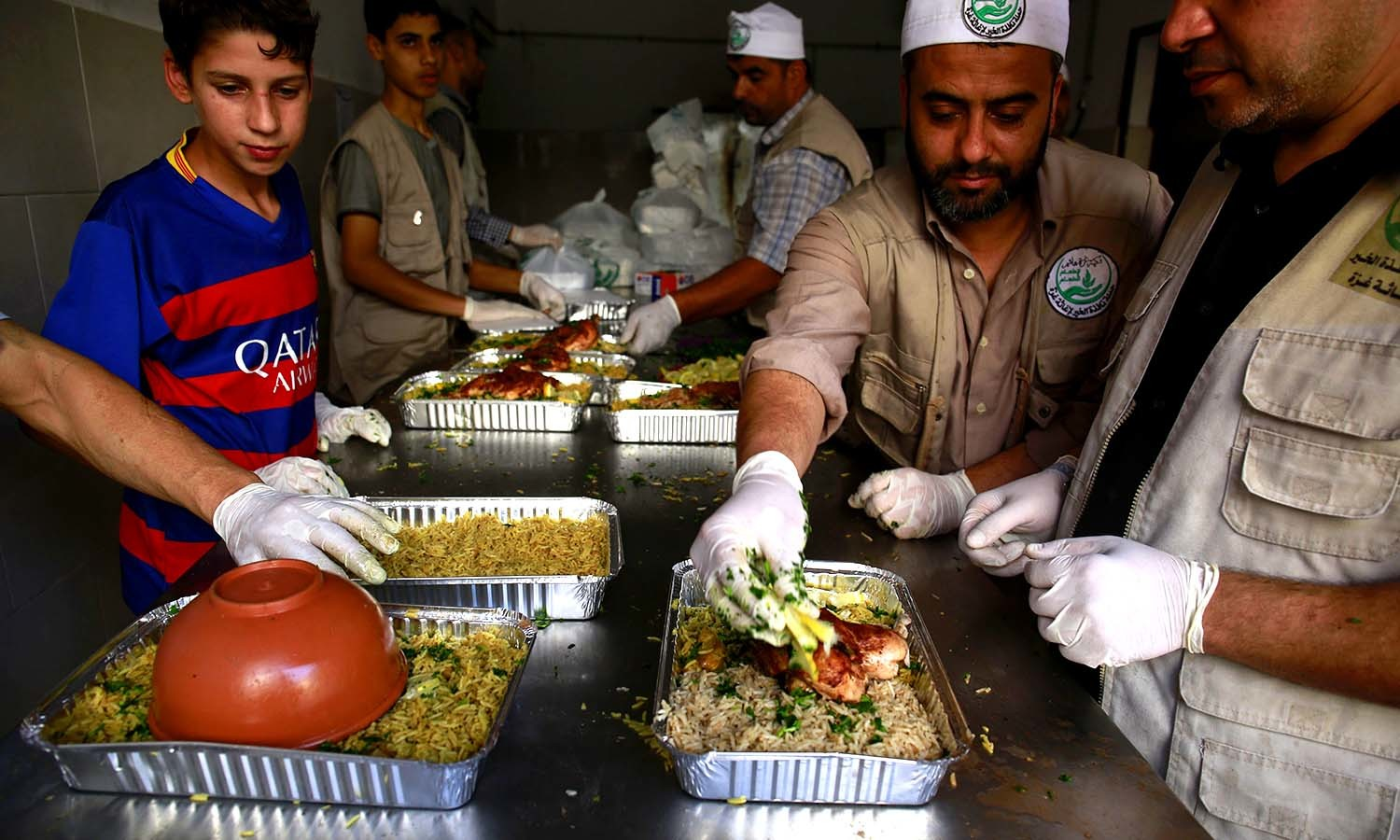 Soup Kitchen Meal Ramazan Soup Kitchen Offers Brief Respite To Gazas Hungry World