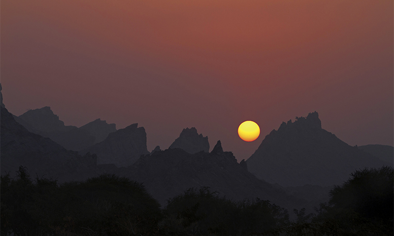 Sunrise over the mountains of Kalabagh in Mianwali. ─ Photo by Ghulam Rasool