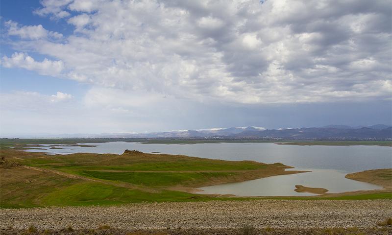 Landscape of Mangla Lake in 2008. ─ Photo by Ghulam Rasool
