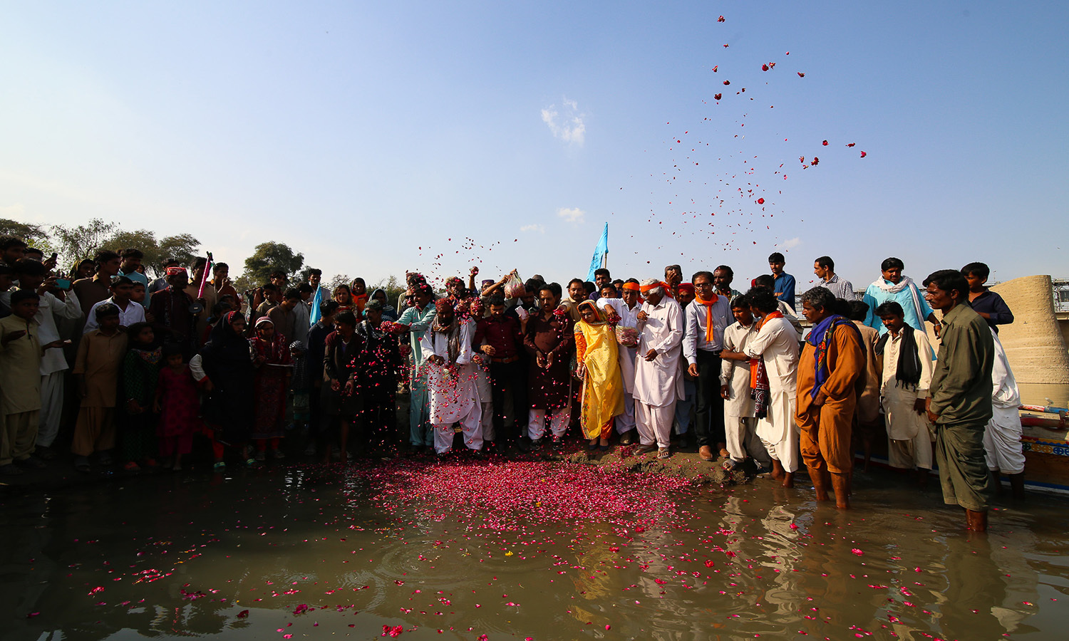 The PFF with local activists pay their respects to the River Indus