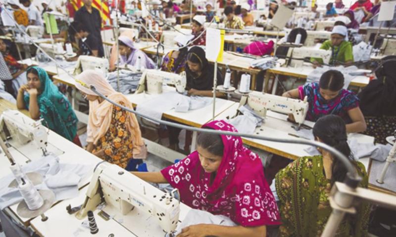بنگلہ دیش بھی ٹیکسٹائل کے شعبے میں پاکستان جیسی سہولیات کے ساتھ 34 ارب ڈالر کی برآمدات کرتا ہے