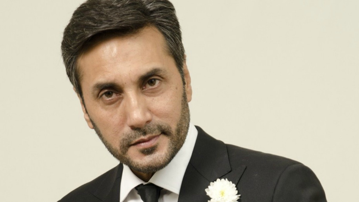 'At this age, I can't replace Shah Rukh in Bollywood', says Adnan Siddiqui